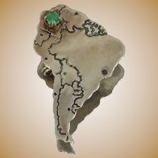 900 Silver Natural Emerald Figural Africa Pin