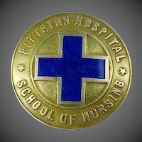 1938 14k Gold Pittston Hospital School of Nursing Pin