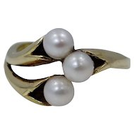 14k Yellow Gold & 3 Cultured Pearls Vintage Ring