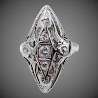 18k White Gold Filigree Diamond Ring Art Deco