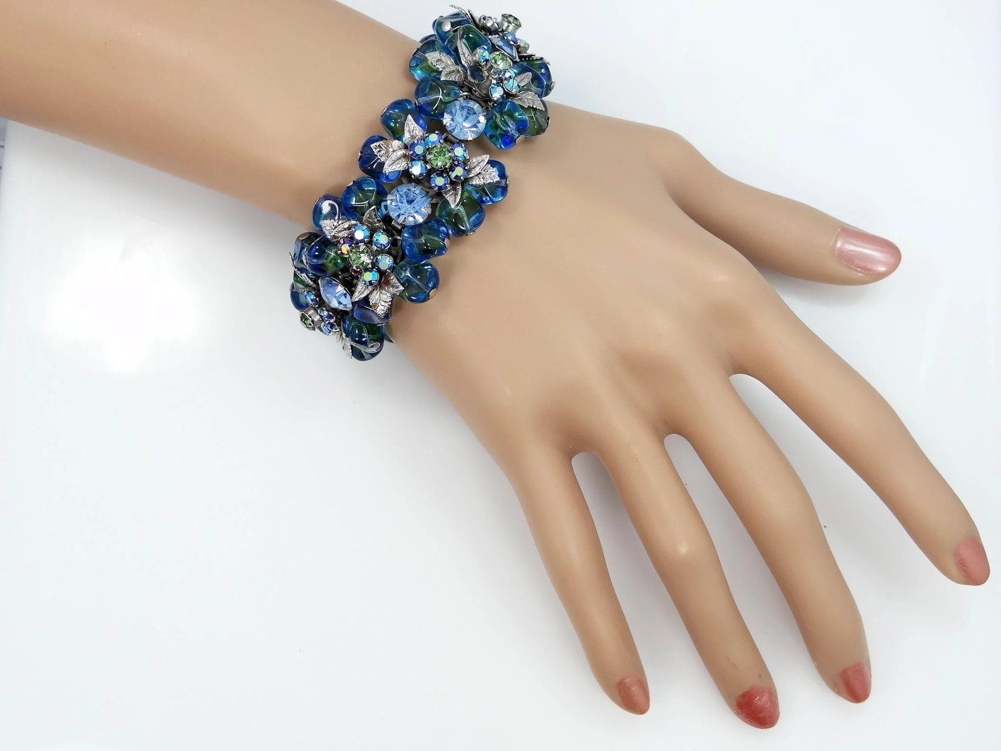 Gorgeous and Chunky Blue Dangle Crystals Bracelet : Mur-Sadie\'s ...