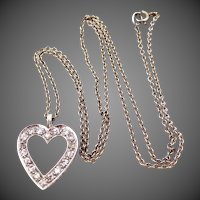14k White Gold & Diamonds Heart Necklace