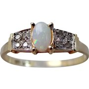 14k Yellow Gold Diamonds and Opal Lady's Ring