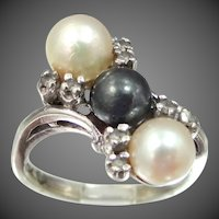 10k White Gold Black & White Pearls Ring