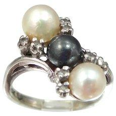 10k White Gold Black & White Pearls Ring