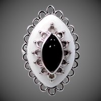 Pretty Sterling Silver Filigree Ring with Black & White Agate