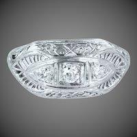 14k White Gold & Diamonds Filigree Art Deco Ring