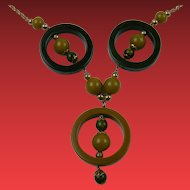 Beautiful Bakelite Ring Pendant Necklace