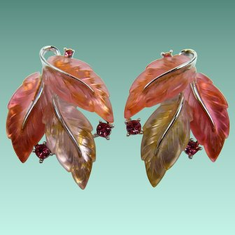Signed LISNER 1950's Earrings in Shimmering Thermoplastic