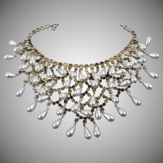 Bride-Worthy Dangling Bib Necklace