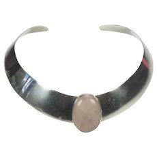 Modern vintage sterling silver choker necklace with pink gemstone