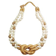 Vintage Franklin Mint faux pearl gold tone designer necklace by Mary McFadden