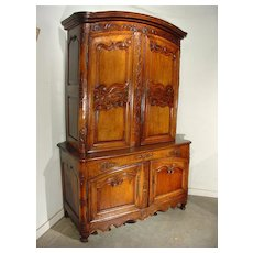 Early 18th Century Buffet Deux Corps from Auvergne, France- Walnut and Oak