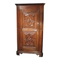 17th Century Italian Walnut Wood Corner Cabinet
