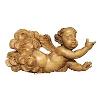 18th Century French Carved Sculpture of a Flying Cherub