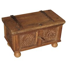 Small Antique Oak Table Trunk from Spain, 17th Century