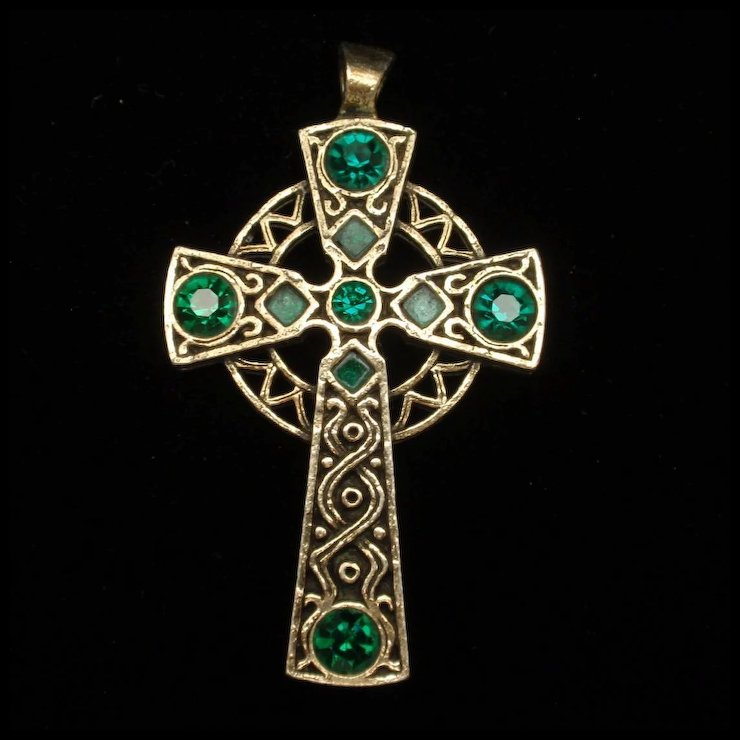 a handmade green pin cross swarovski pendant crystals white and central celtic features gorgeous this stunning