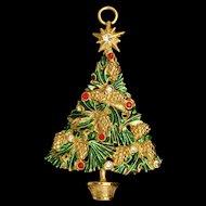 Pine Cones Christmas Tree Pendant or Ornament Vintage Avante