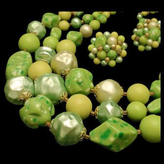 Large Green Bead Necklace Earrings Set Vintage Japan
