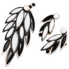 1960s Graphic Black & White Set Pin & Earrings Vintage