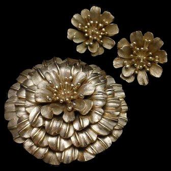 Trifari Chrysanthemum Flower Pin and Earrings Set Gold Tone Vintage