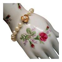 Vintage 7 Millimeter Cultured Pearl Bracelet 14K Gold Flower Clasp