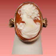 Vintage Female Portrait Carved Cameo Gold Rosettes 14K Ring