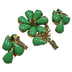 Vintage Clover Green Cabochon and Rhinestone Flower Brooch Earrings Set
