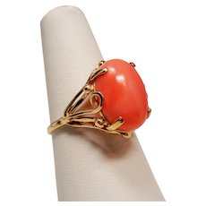 Vintage Oval Coral Cabochon 14K Gold Ornate Ring