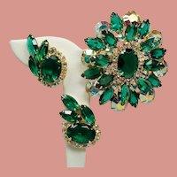 Vintage D&E Juliana Emerald Green Rhinestone Large Dimensional Brooch Earrings Demi Parure