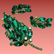 Vintage D&E Juliana Emerald Green Navette Rhinestone Brooch Earrings Set.