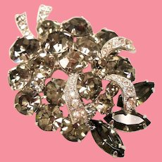 Vintage Unsigned Weiss Black Diamond Rhinestone Brooch