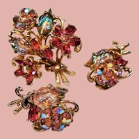 Vintage Weiss Rhinestone Flower Bouquet Brooch Earrings Set