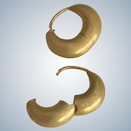 New~ 20K Gold Huggie Hoop Earrings~ Limited edition~ Classic style