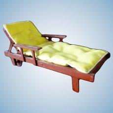 Vintage Outdoor Wood Chaise Longue 1:12 Dollhouse Miniature
