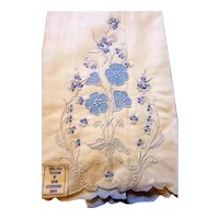 Vintage Madeira Embroidered FLORAL Linen Towel Guest Jane Withers Movie Star Estate