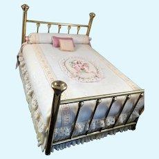 Artist Peg Devine BRASS BED Fully Dressed 1:12 Dollhouse Miniature