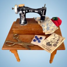 Lovely Artist Sewing Machine Table DOLLHOUSE MINIATURE