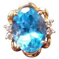 BEAUTIFUL Estate Pair of 14 Karat Gold Diamond & Blue Topaz Stud Earrings