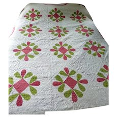 AMAZING c.1890 Turkey Red & Green Floral Quilt With Decorative Stitching