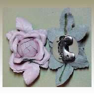 MUSI Shoe Clip - Pink Leather Flower