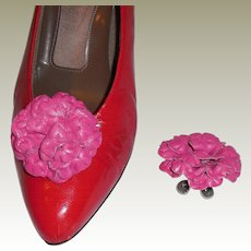 MUSI Shoe Clip – Fuchsia Leather Flower