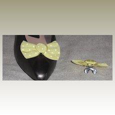 MUSI Shoe Clip - Kiwi Green with White Dots