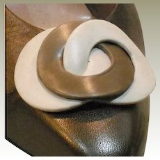 Vintage Bone and Brown Leather Interlocking Circles Shoe Clip by MUSI
