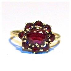 1940 Vintage 8 Karat Gold 9 Garnet Cluster Ring