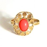 A vintage 1960s Flower Power Hippie Coral 8 Karat Gold Ring