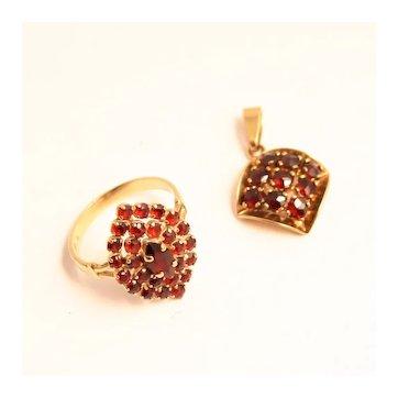 Gold Garnet Ring Pendant Set 8 Karat Size 8