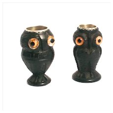 An Antique Pair of 1850 Irish Bog Oak Thimble Holder Owls sewing Accessories S817