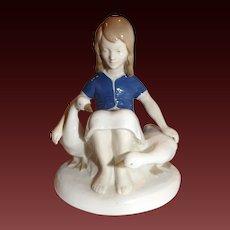 Carl Schneiders Erben / V.E.B. Porzellanfiguren Gräfenthal Porcelain Woman with Geese Figurine