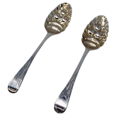 London 1807 Pair of Berry Spoons